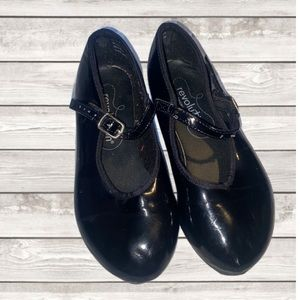 Used Girls tap shoes